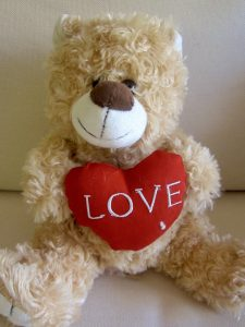 img_0006_-_kiss_me_bear_small_-_25cms